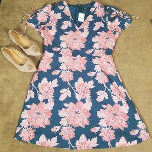 Floral Printed Flowy Tie Sleeve Dress Size 12 NWT